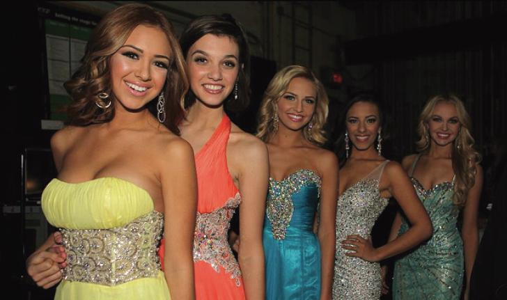 TEENS IN TIARAS - Nadia Mejia (far left) poses with the other top five finalists in the teen category.