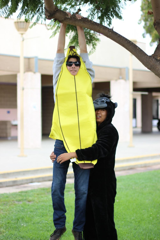 Jake+Helseth+as+a+banana.+