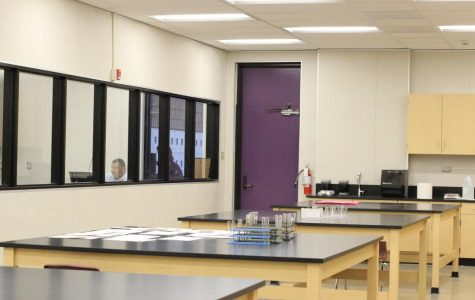 Forensics classes take hands-on approach in lab