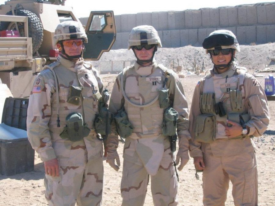 Alumna+Ashley+Lee+%28right%29+with+her+fellow+soldiers+in+Iraq+in+2005.