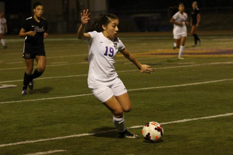 Junior forward Olivia Valdivia pushes the pace in a 2-0 loss against Claremont.