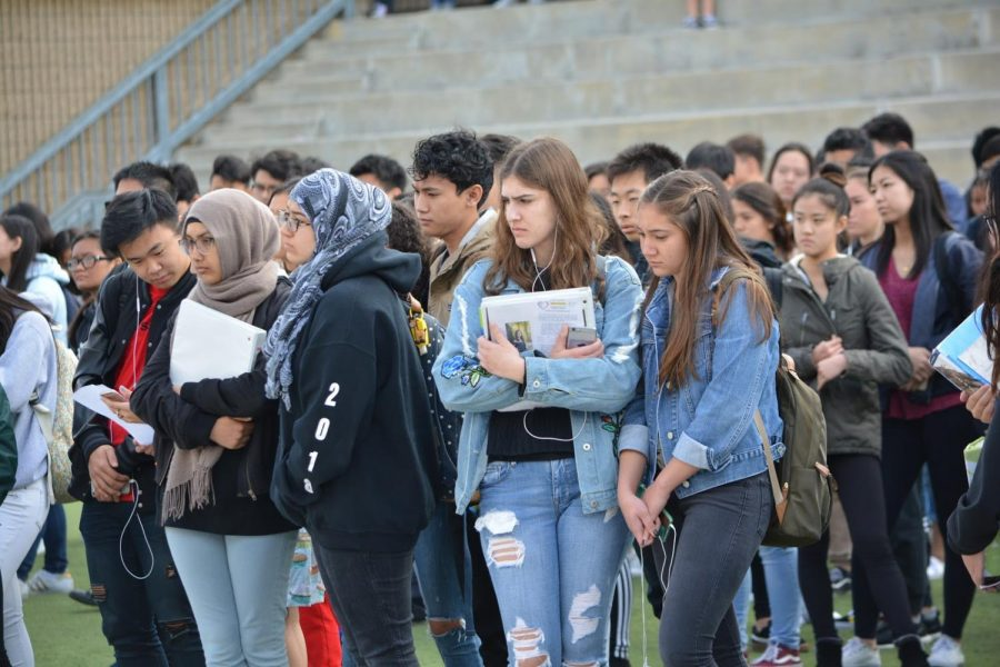 A+gathering+of+approximately+2%2C200+Brahmas+congregated+on+campus+in+the+amphitheater+to+take+a+stand+during+the+DBHS+walk-out+at+brunch+on+March+14.