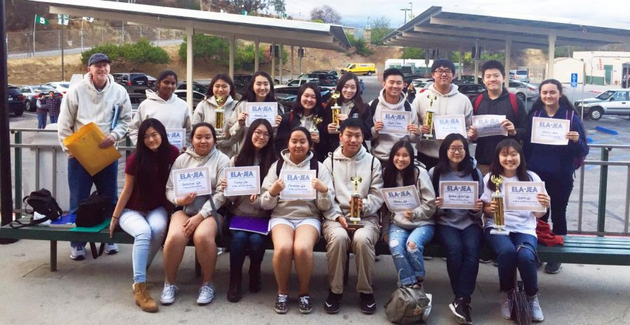 Bull's Eye senior wins first place for third year at Write-Offs