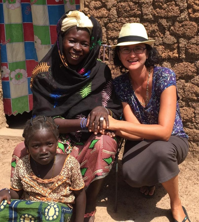 Liezl+Van+Riper+%28right%29+with+Fatourmata+Koubale%2C+a+farmer+from+Mali+who+now+grows+enough+food+to+feed+her+family+year-round%2C+after+working+with+MyAgro.%0A%0A