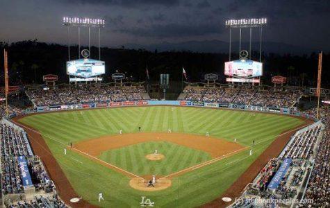 Dodgers lose, but elate fans