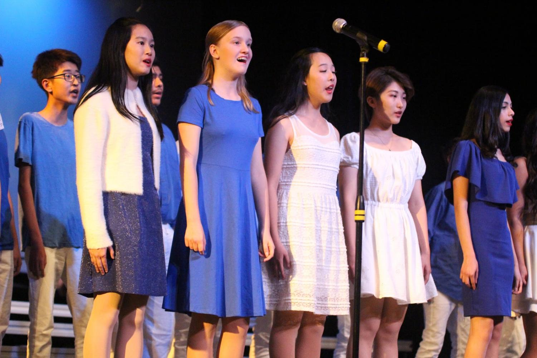 DBHS Chamber Choir and Diamondtones sing