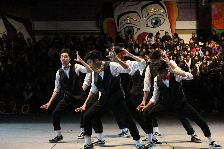 SAMYUKTHA VELLAIYAN  DBHS All Male members perform a routine to