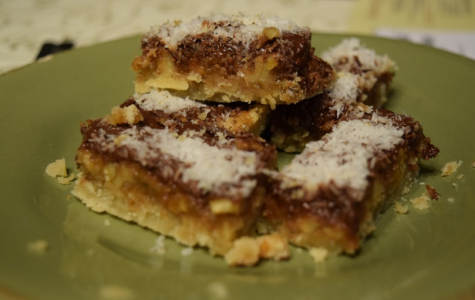 How to bake: Coconut-Nut caramel bars